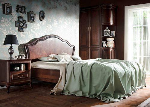 Кровати из массива и шпона